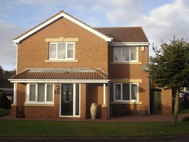 4 Bedrooms Detached House for sale in Acomb Court, Bedlington