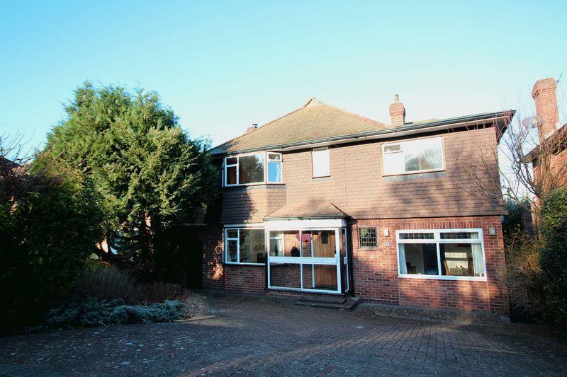4 Bedrooms Detached House for sale in Morley Road, Sanderstead, Surrey