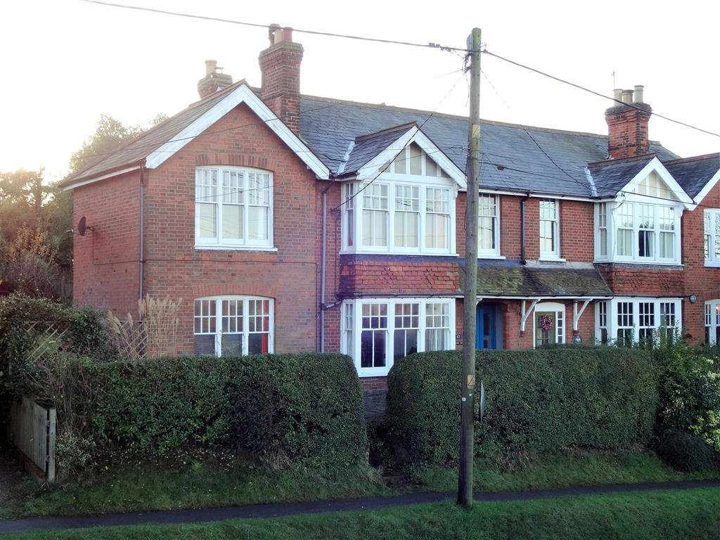 4 Bedrooms Semi Detached House for sale in Danbury, Chelmsford