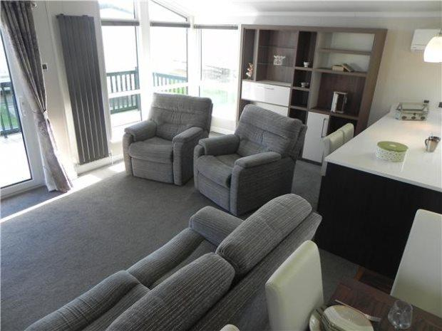 3 Bedrooms Detached Bungalow for sale in WILLERBY NEW HAMPSHIRE, SUNDERLAND SOUTH