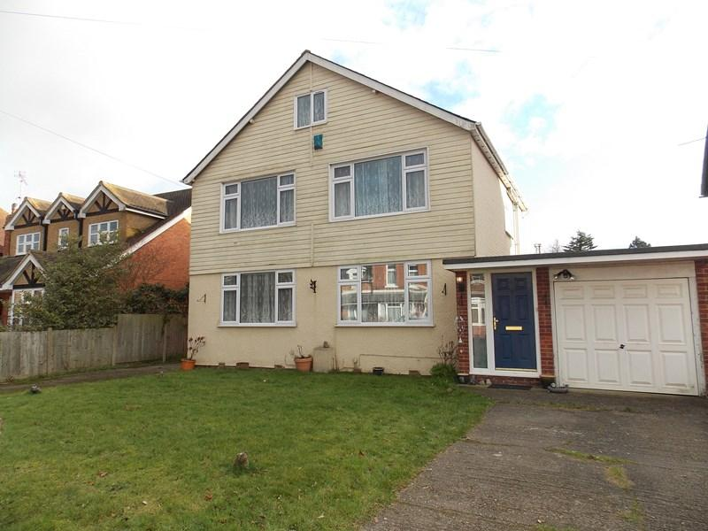 5 Bedrooms Detached House for sale in Victoria Road, Tilehurst, Reading