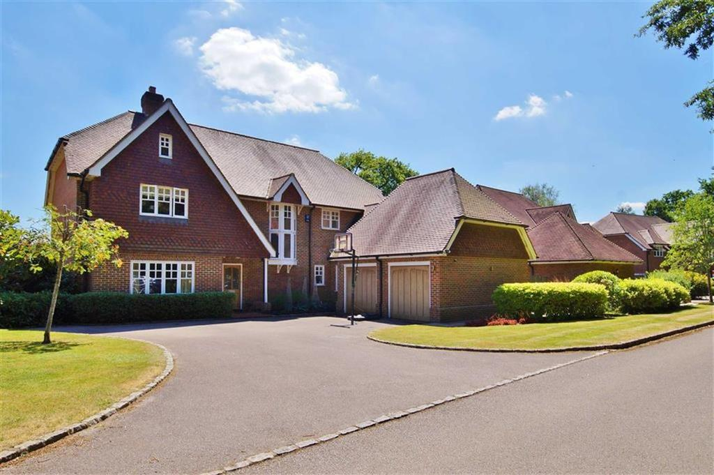 5 Bedrooms Detached House for sale in Englemere Park, Oxshott, Surrey, KT22