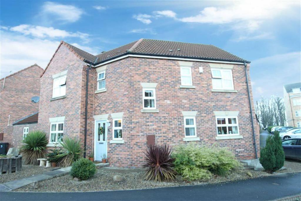 4 Bedrooms Detached House for sale in Chepstow Close, Catterick Garrison, North Yorkshire
