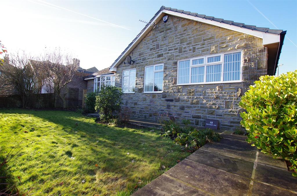 3 Bedrooms Detached Bungalow for sale in Mayfair Avenue, Sowood, Halifax
