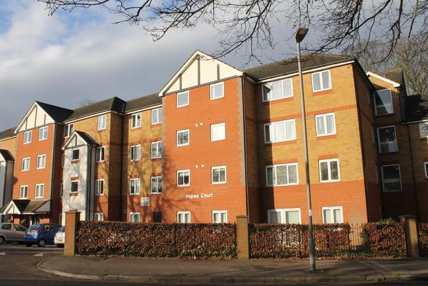 1 Bedroom Flat for sale in Popes Court, Old Bedford Road, Luton, LU2