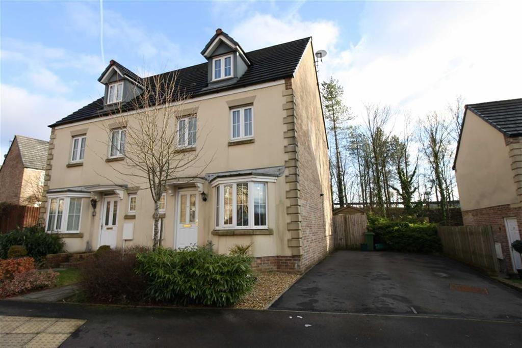 4 Bedrooms Semi Detached House for sale in Denbeigh Court, Hirwaun, Aberdare, Mid Glamorgan
