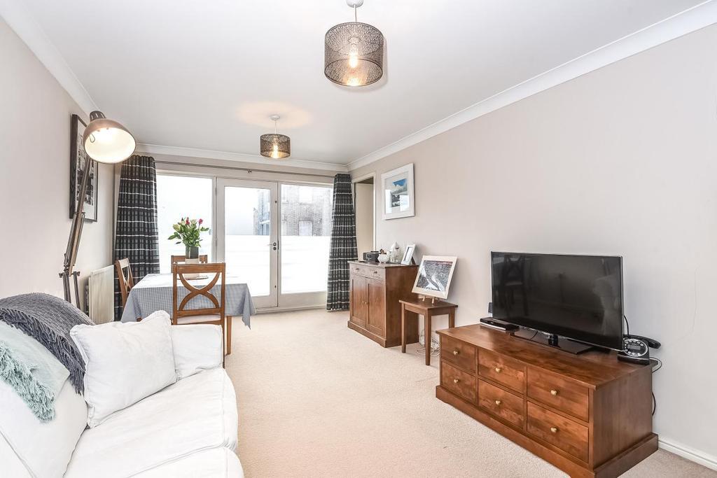 2 Bedrooms Flat for sale in Essex Road, Islington, N1