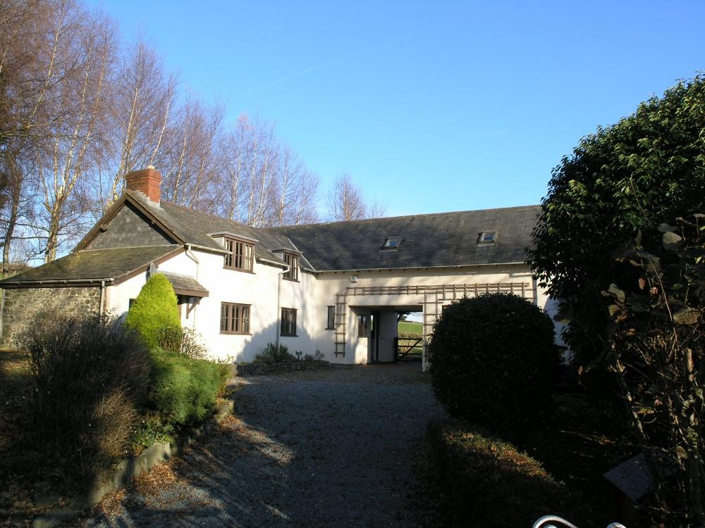 3 Bedrooms Detached House for sale in Llanwnog, Caersws, SY17