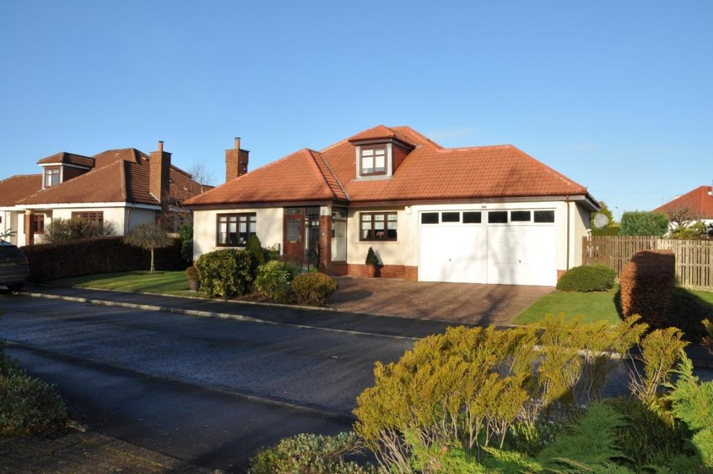 3 Bedrooms Detached House for sale in 32 Newton Grove, Newton Mearns, G77 5QJ