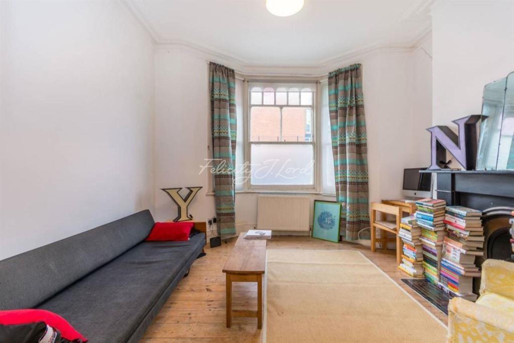 1 Bedroom Flat for sale in Princess May Road, N16