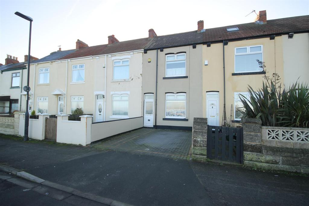 2 Bedrooms Terraced House for sale in Marine Drive, Hartlepool