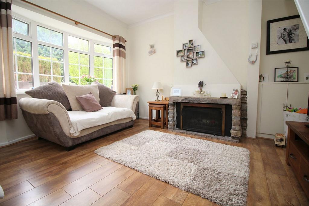 2 Bedrooms Cottage House for sale in Railway Cottages, Ellenbrook Lane, Hatfield, Hertfordshire