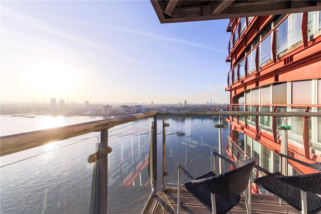 2 Bedrooms Flat for sale in Seacon Tower, 5 Hutchings Street, Nr Canary Wharf, London, E14