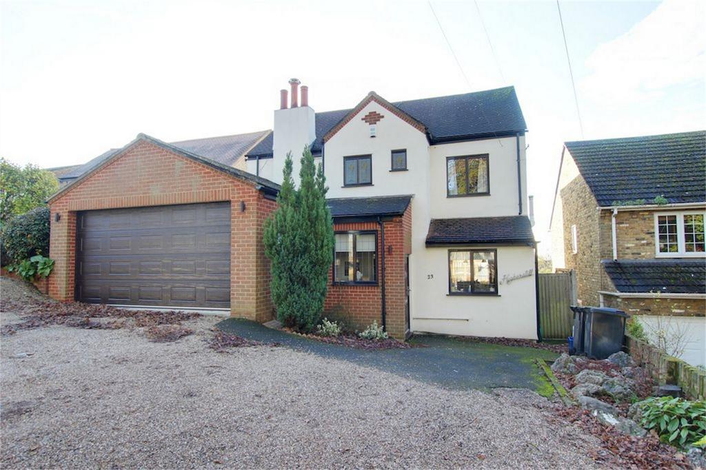 4 Bedrooms Detached House for sale in Church Lane, Loughton, Essex
