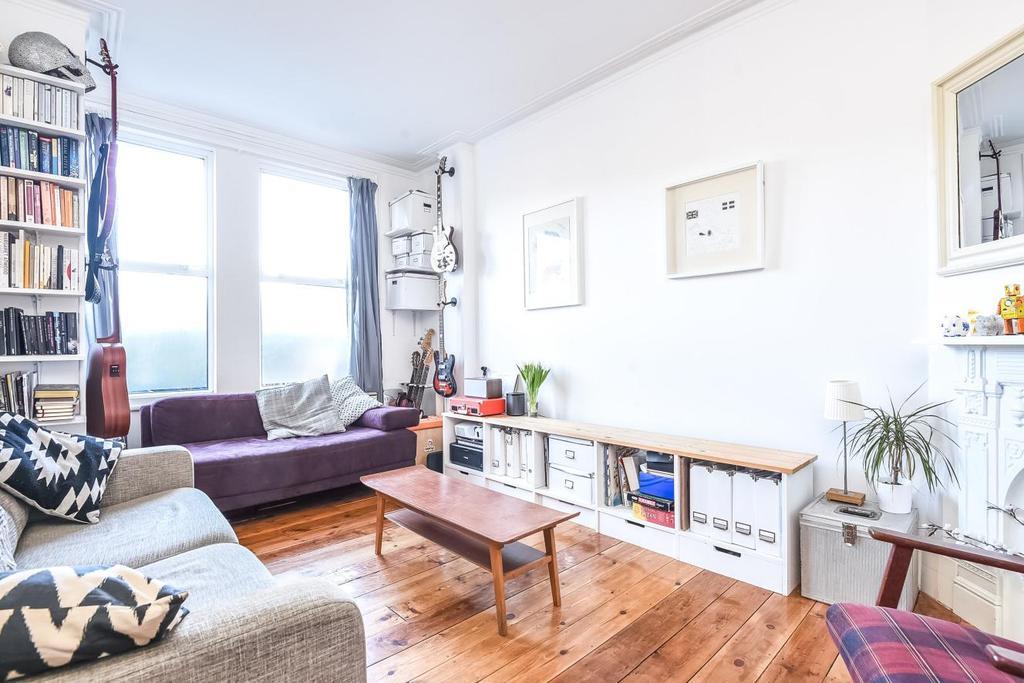 2 Bedrooms Flat for sale in Highshore Road, Peckham, SE15