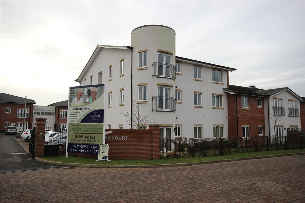 2 Bedrooms Flat for sale in Eastbank Drive, Worcester