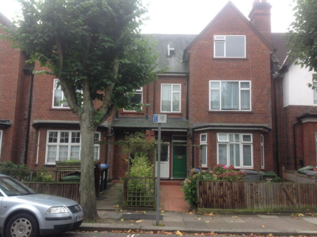 4 Bedrooms Flat for sale in Stanley Gardens, Willesden, NW2