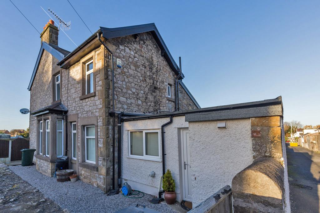 4 Bedrooms Detached House for sale in Sunnyside, Queen Street, Carnforth, LA5 9EB