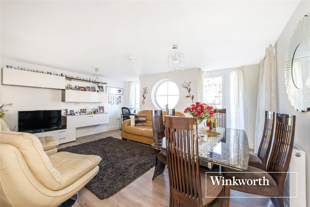 2 Bedrooms Flat for sale in Servas Court, 63 Station Road, New Barnet, Herts, EN5