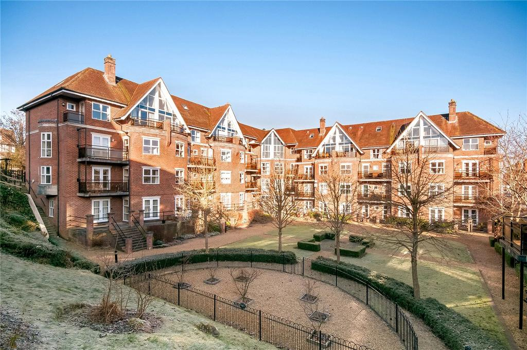 3 Bedrooms Flat for sale in Marston Gate, Hyde, Winchester, SO23