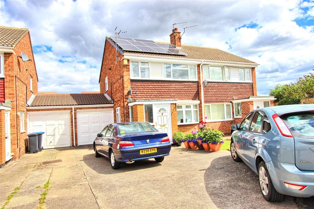 3 Bedrooms Semi Detached House for sale in Raisby Close, Acklam