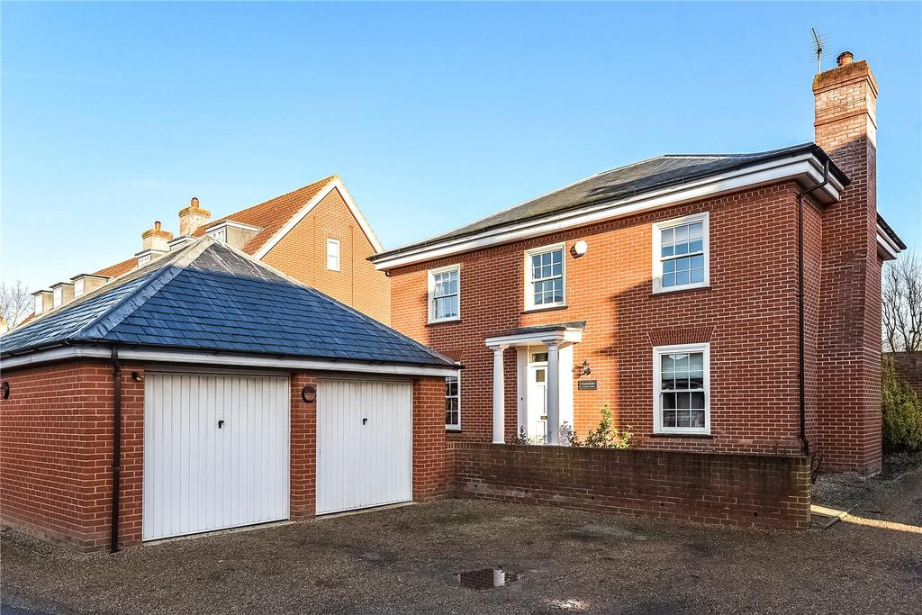 4 Bedrooms Detached House for sale in Glanely Gardens, Exning, Newmarket, Suffok, CB8