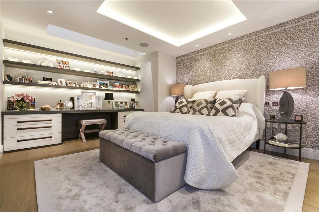 2 Bedrooms Maisonette Flat for sale in Ryger House, 11 Arlington Street, London, SW1A