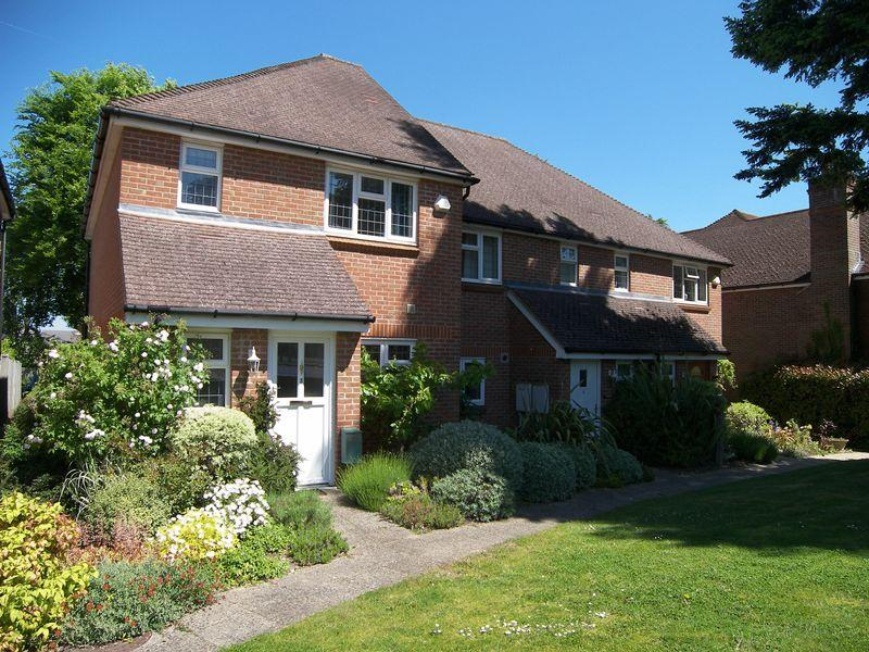 3 Bedrooms End Of Terrace House for sale in Bookham