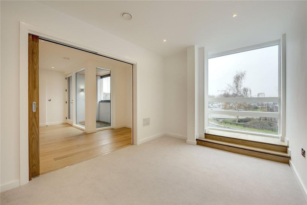 3 Bedrooms Flat for sale in Holland Park Avenue, Holland Park, London, W11
