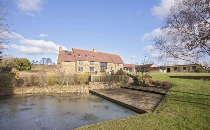 5 Bedrooms Detached House for sale in Byfield, Daventry, Northamptonshire, NN11