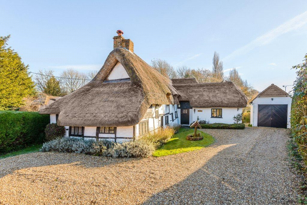 4 Bedrooms Detached House for sale in Dogmersfield, Hook, Hampshire, RG27