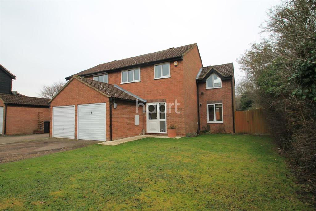 4 Bedrooms Semi Detached House for sale in Ashmead Drive, Hardwick