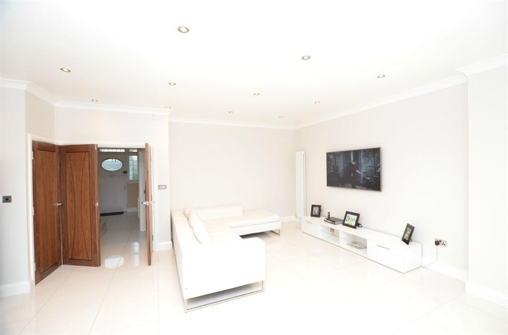 5 Bedrooms End Of Terrace House for sale in Hook Rise South, Surbiton, Surrey