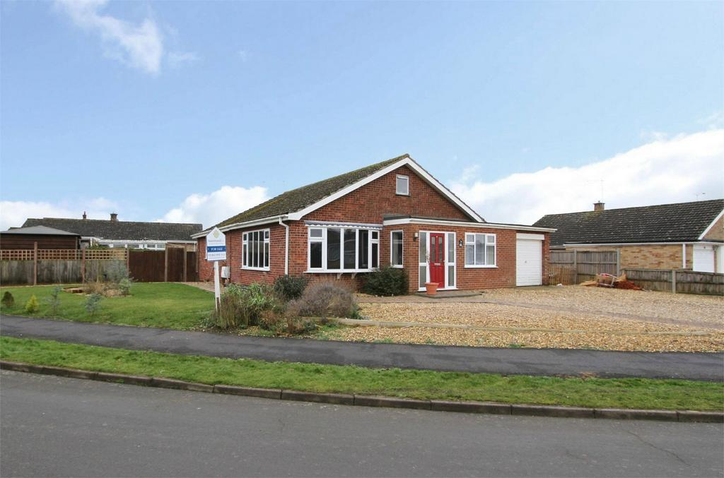 3 Bedrooms Detached Bungalow for sale in Nelson Court, Watton, Norfolk