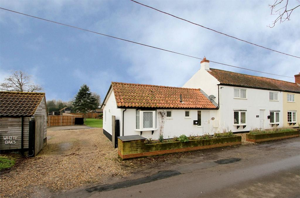 3 Bedrooms Cottage House for sale in White Oaks, Welborne, Norfolk