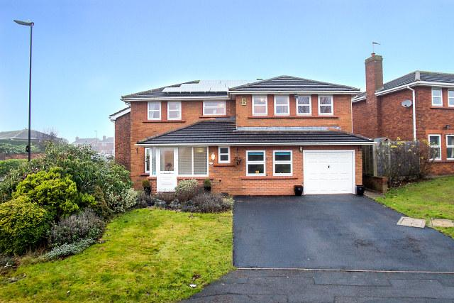 5 Bedrooms Detached House for sale in The Haybarn,Walmley,Sutton Coldfield