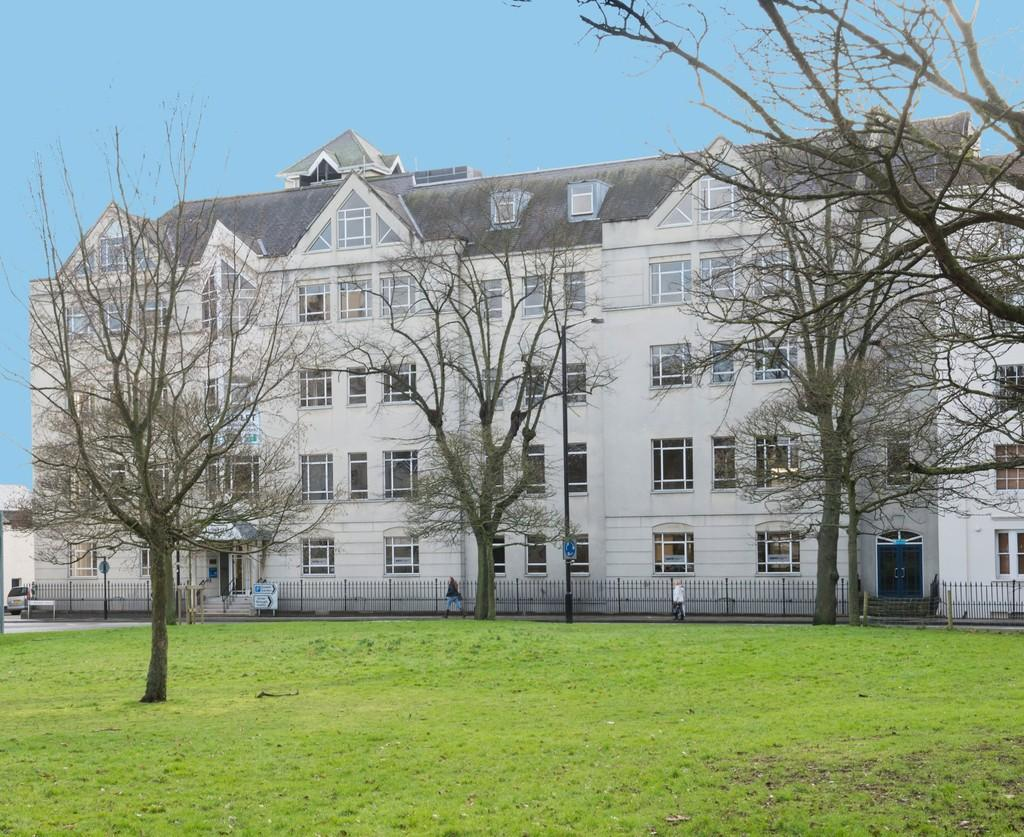 2 Bedrooms Apartment Flat for sale in Villiers House, Leamington Spa