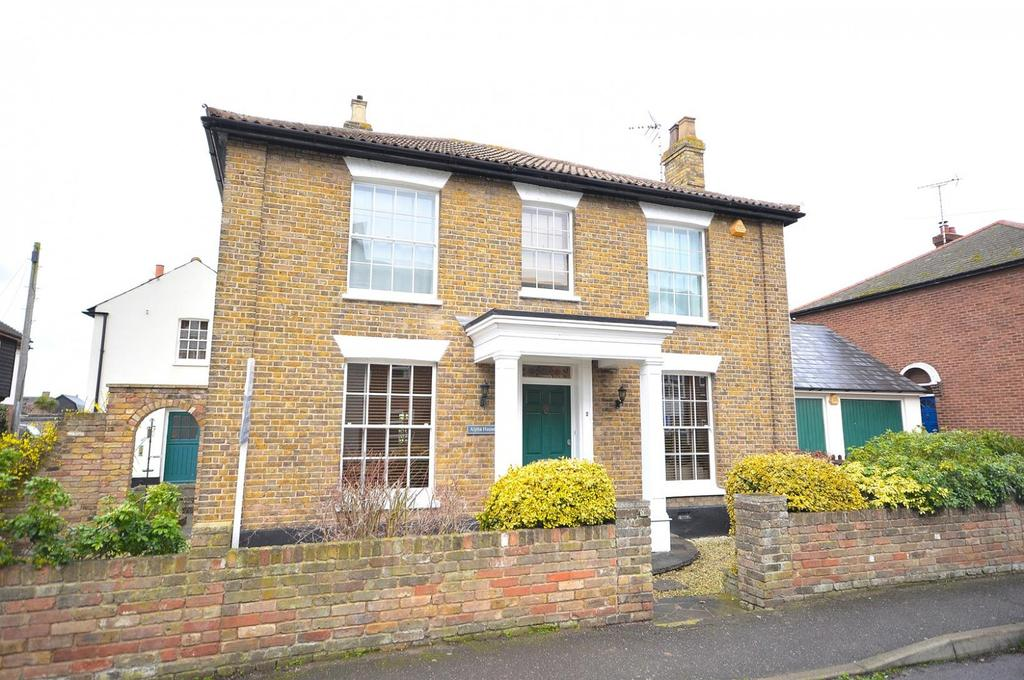 4 Bedrooms Detached House for sale in New Road, Burnham-On-Crouch, Essex, CM0