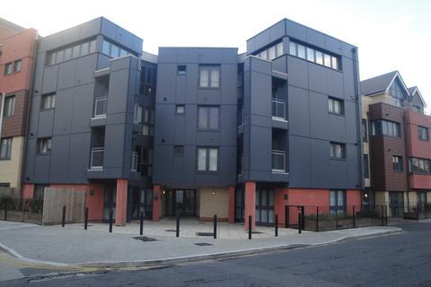 2 bedroom apartment for sale - Bramley Crescent, Gants Hill, Ilford, Essex, IG2