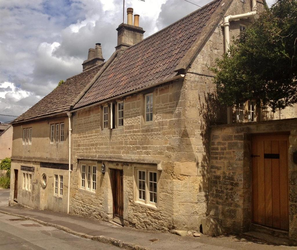 4 Bedrooms Detached House for sale in Hazelbury Hill, Box, Corsham