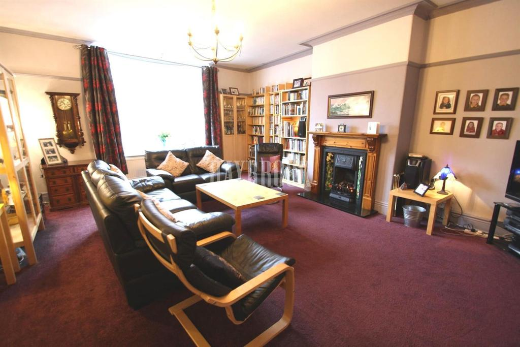 4 Bedrooms Terraced House for sale in Abbey Lane, Beauchief
