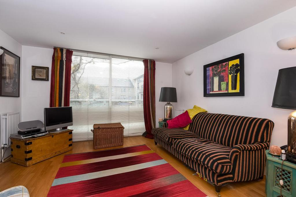 4 Bedrooms Terraced House for sale in Chillingworth Road, Holloway, N7