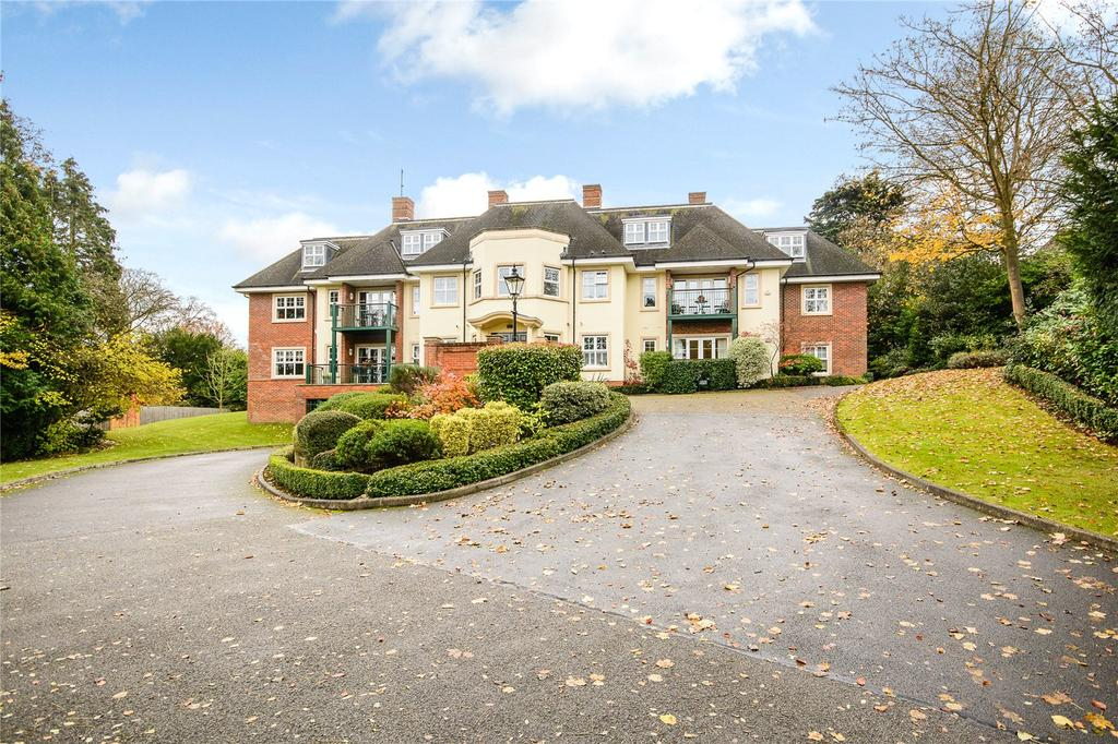 2 Bedrooms Flat for sale in Crompton Hall, South Park, Gerrards Cross, Buckinghamshire