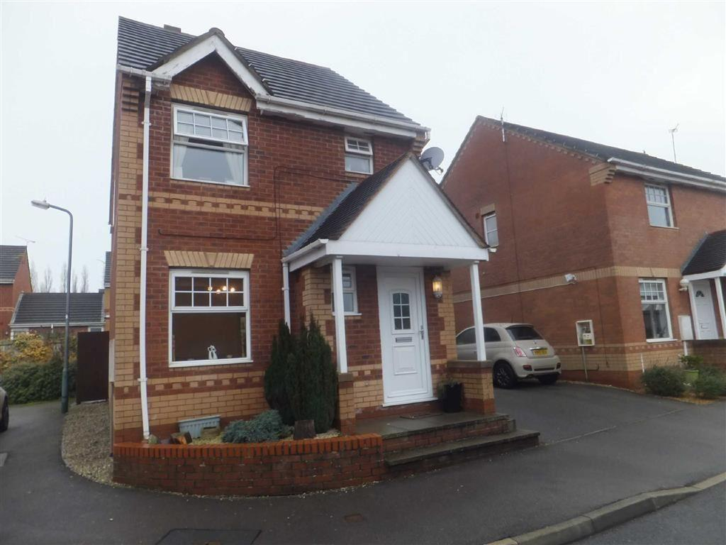 3 Bedrooms Detached House for sale in Trentham Close, Nuneaton, Warwickshire, CV11