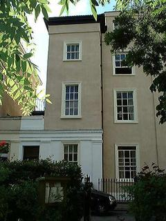 5 bedroom property to rent - Canynge Square, Top Floor Flat, Clifton, BS8 3LB