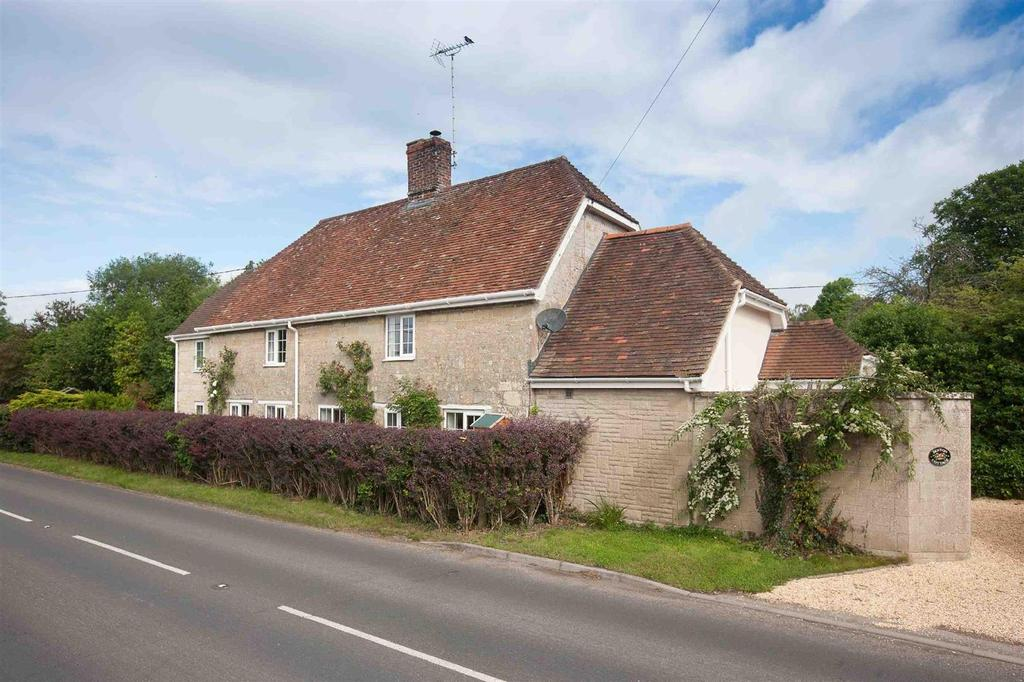 3 Bedrooms Detached House for sale in Dinton