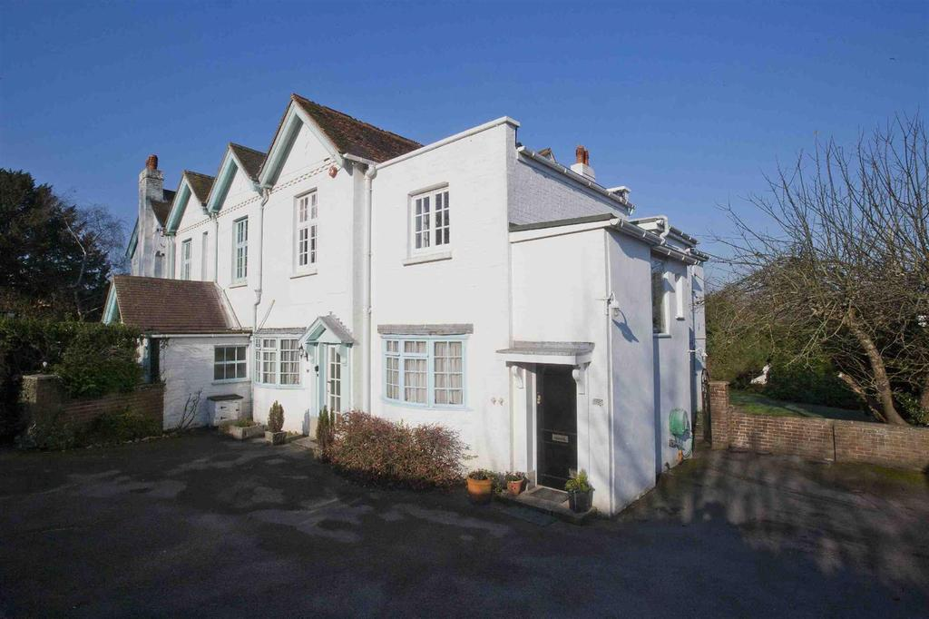 3 Bedrooms Flat for sale in Harnham Road, Salisbury