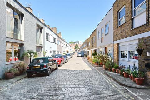 2 bedroom mews to rent - Gloucester Mews West, Paddington, London, W2
