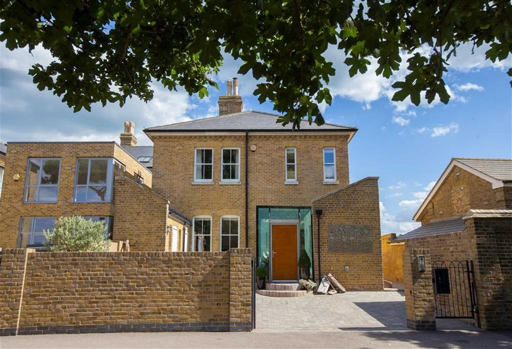 3 Bedrooms House for sale in Mess Road, Shoeburyness, Essex