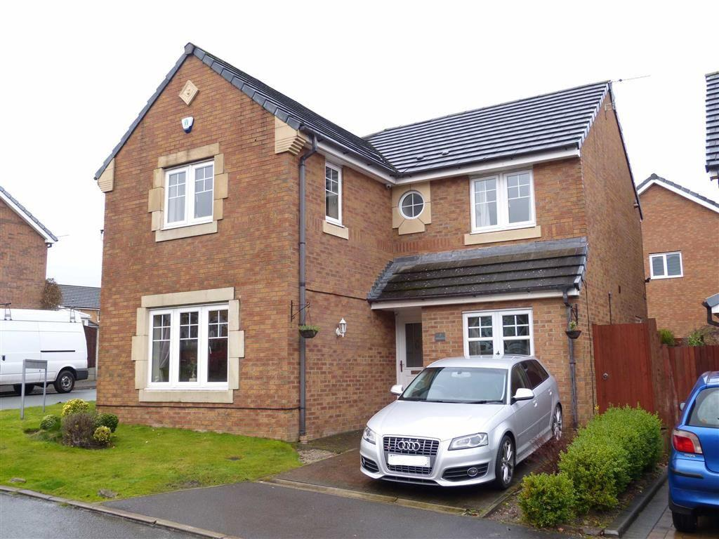4 Bedrooms Detached House for sale in Kestrel View, Glossop